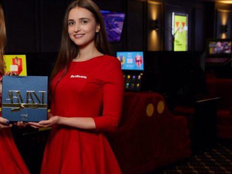 Italian English Russian hostess interpreter Moscow